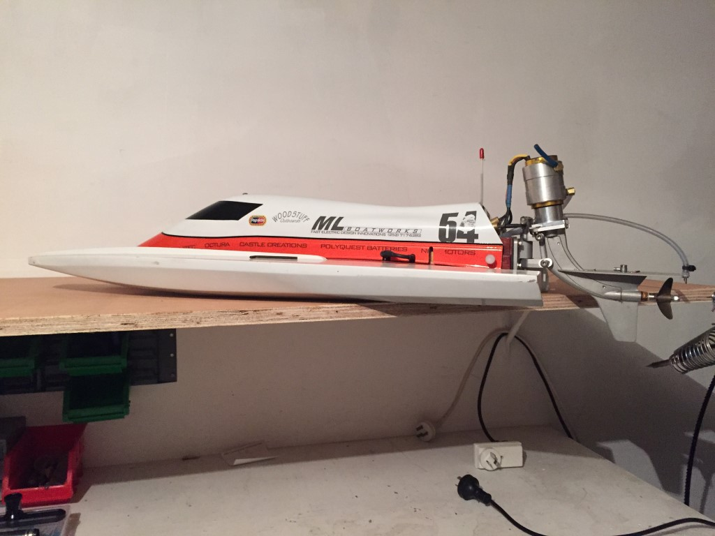 F1 Tunnel Hull Brushless outboard - R/C Tech Forums