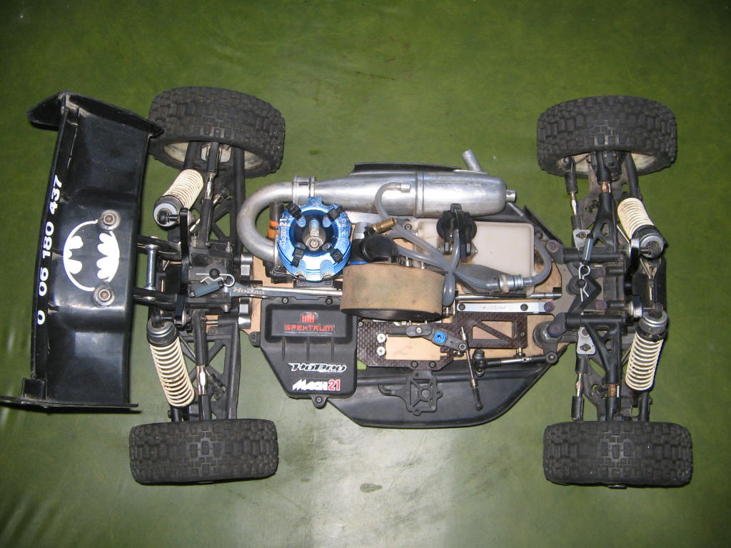 505013d1254371156 hobao hyper 8 5 pro buggy kit new chassis picture 016 They built a life size, 1:1 scale Gundam. It doesn't work (we think), ...