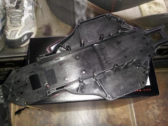 913312d1335488929-durango-dex210-thread-2wd-molded-chassis-640x480-.jpg