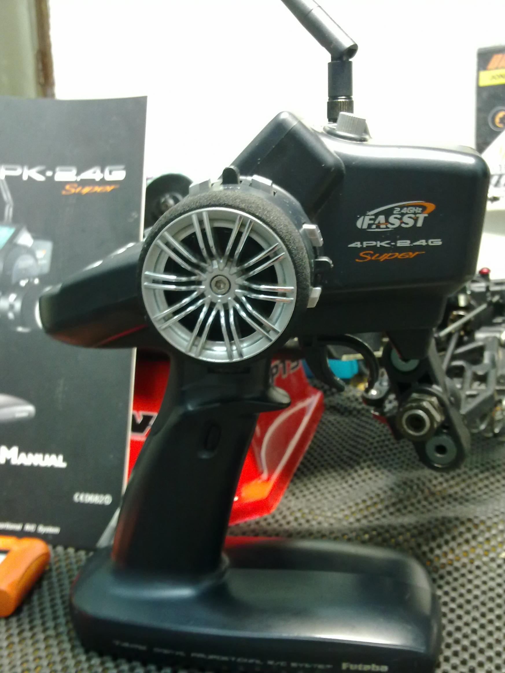 malaysian-r-c-racers/339634-wts-futaba-3pk-spektrum-used-tyre-etc.html