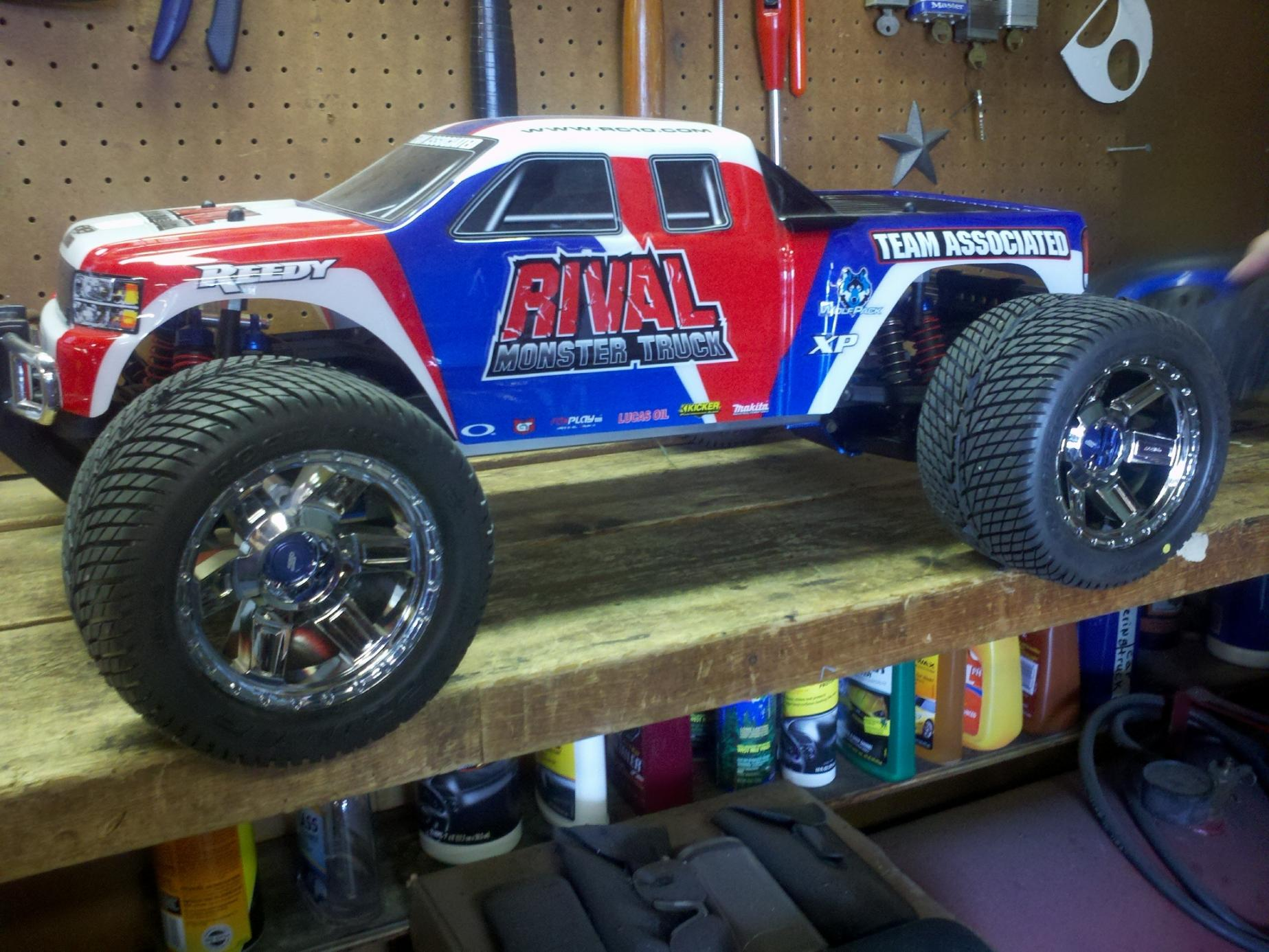 Selling Kyosho monster truck - R/C Tech Forums