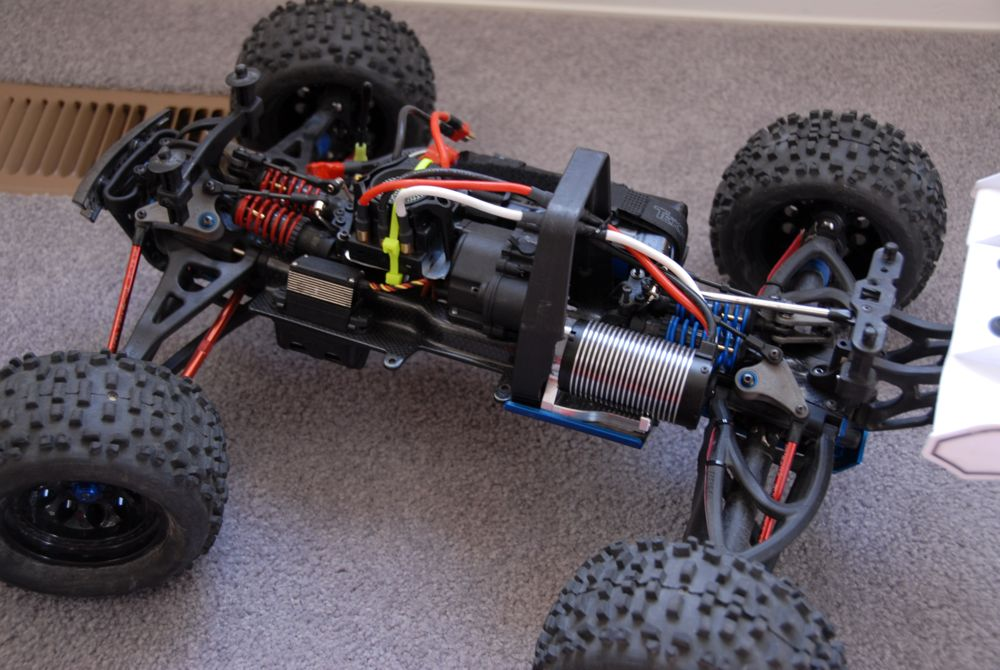 My Custom Carbon Fiber Revo 3 3 Brushless Conversion