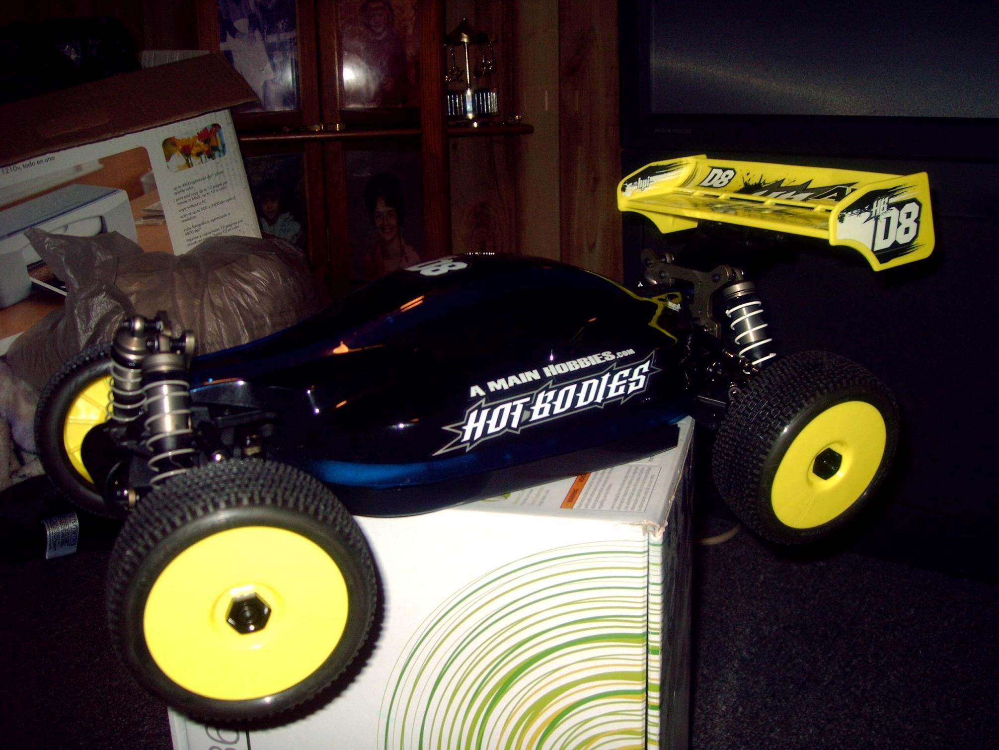 Hot bodies racing d817 v2 1/8 competition nitro buggy.