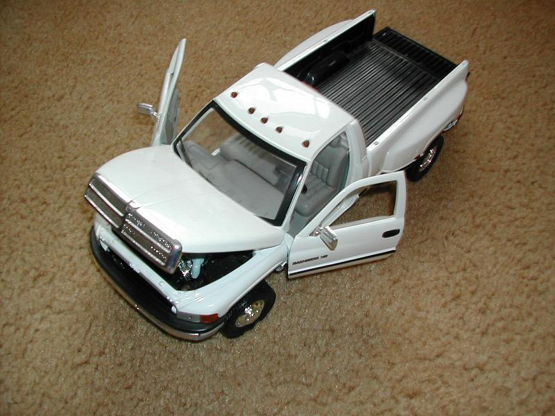 diecast 1 18 scale models r c tech forums. Black Bedroom Furniture Sets. Home Design Ideas