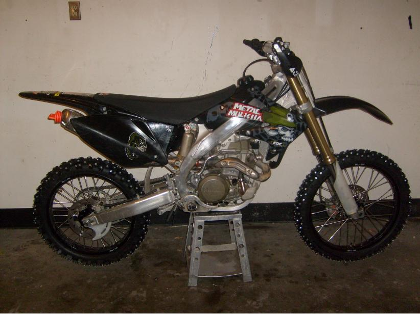 2005 crf 450r, stage 2 cam, pro circuit T4 exhaust, JD jet