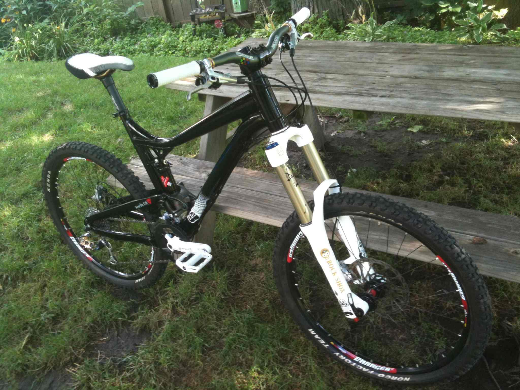 FOR SALE - DiamondBack Mission Mountain Bike | All Mountain