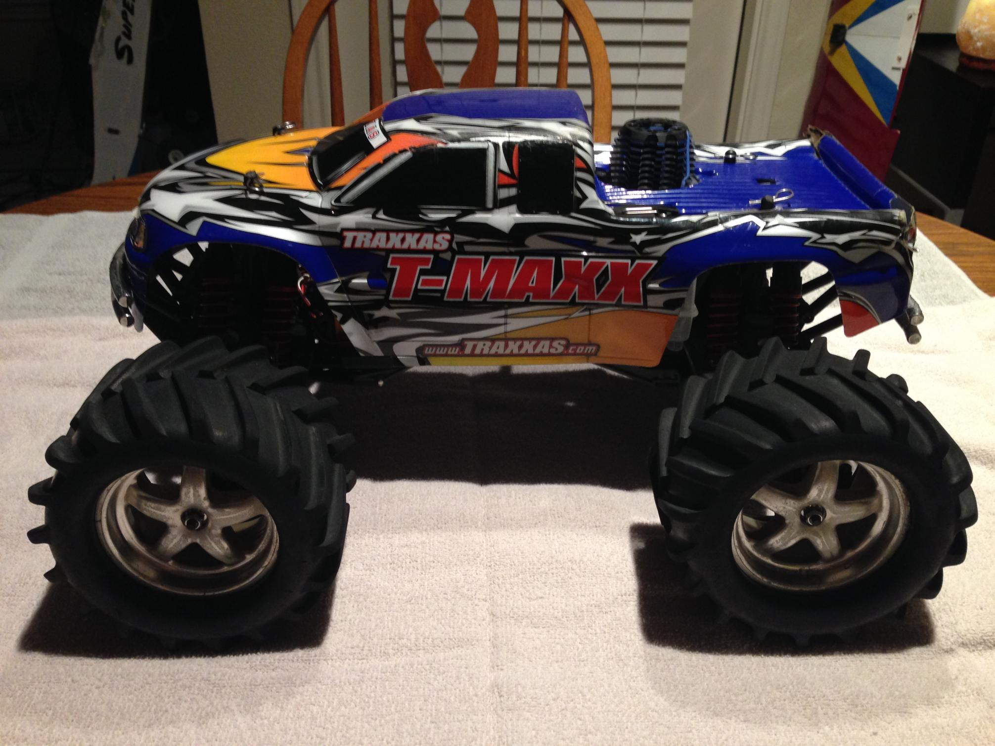 clean traxxas t maxx 2 5 with 3 3 engine and spares r c tech forums. Black Bedroom Furniture Sets. Home Design Ideas
