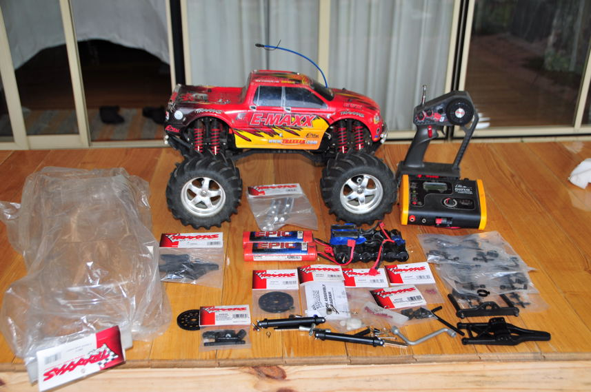 For Sale E-Maxx RC Monster Truck complate - R/C Tech Forums