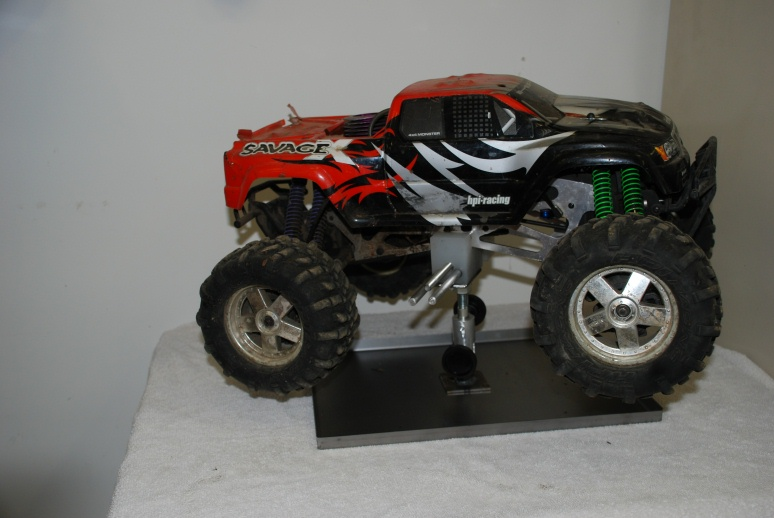 Monster Trucks For Sale >> Adjustable RC car Stands,Monster truck, 1/10 Scale, LOOK - R/C Tech Forums