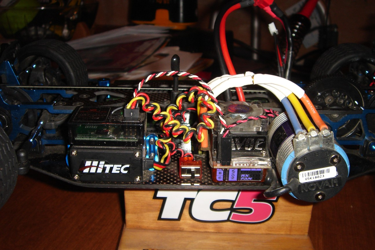 ... F/T Factory Team TC5 ARR for 1/8 offroad-dsc02952.jpg ...