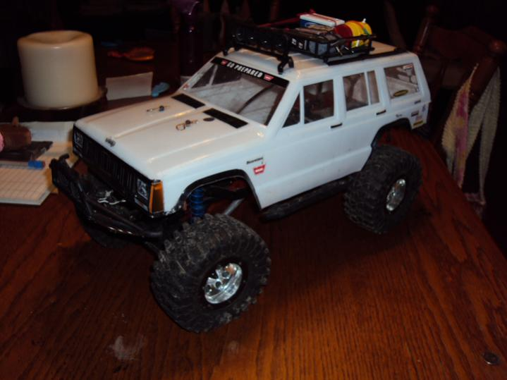 Axial Scx10 Jeep Cherokee 2 2 Flat Irons Lots Of Extras
