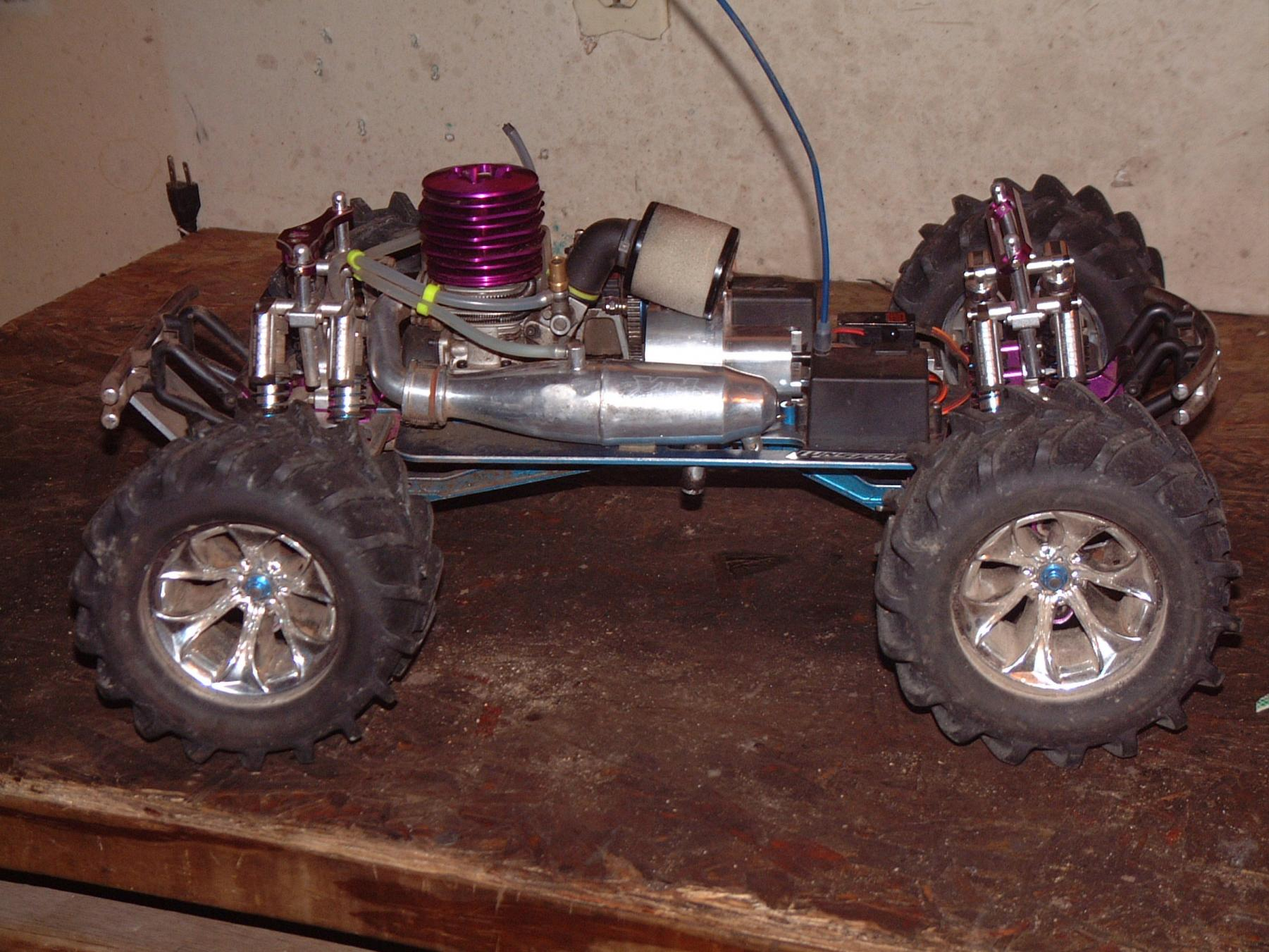 Confused. Tmaxx 3 speed tranny Hot