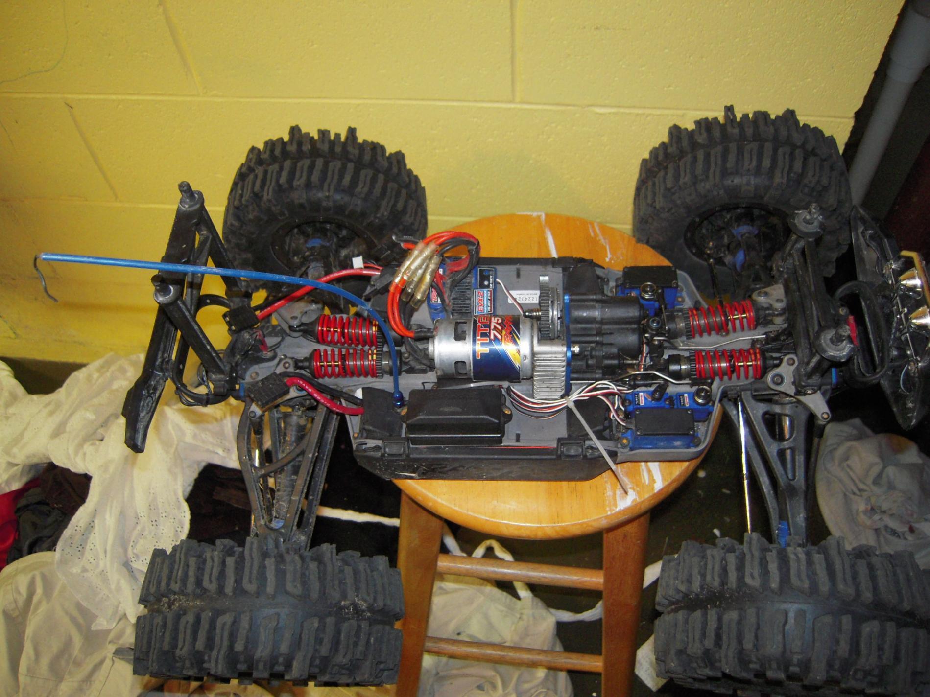1 10 traxxas summit 40 series mud slinger with beadlocks 021