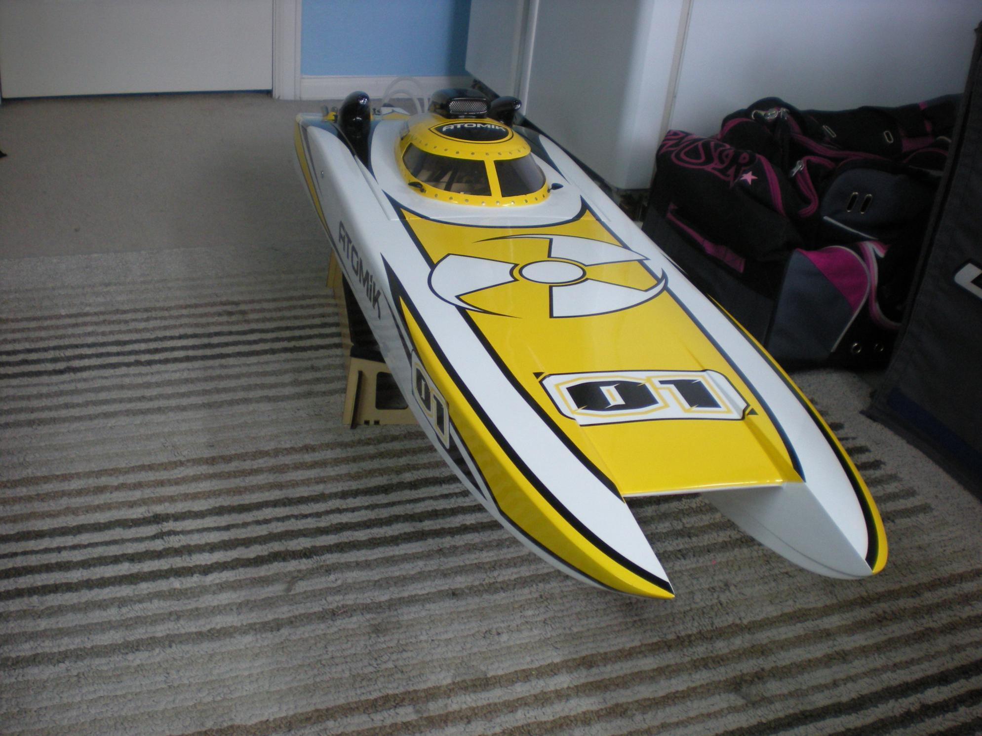 used atomik arc 58in rtr electric brushless rc boat r c. Black Bedroom Furniture Sets. Home Design Ideas