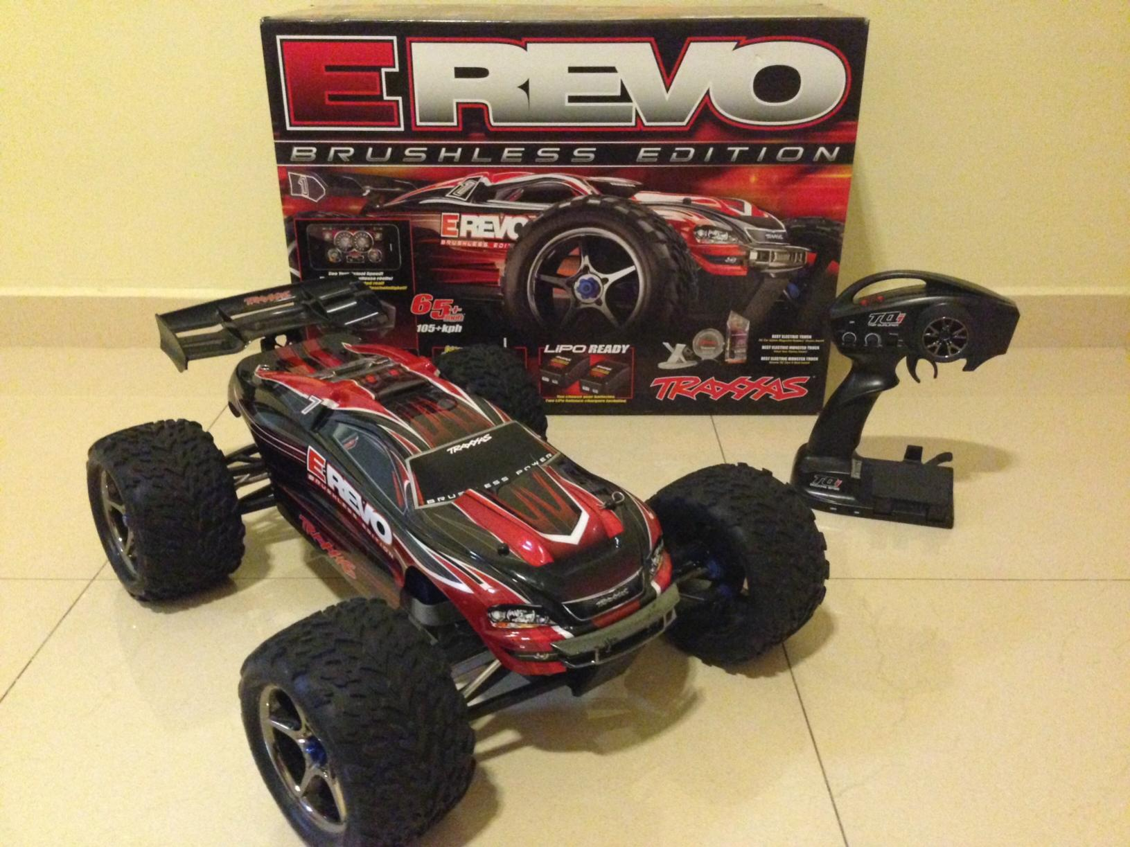 Traxxas E Revo 1 10 Scale Brushless with Upgrades photo 4