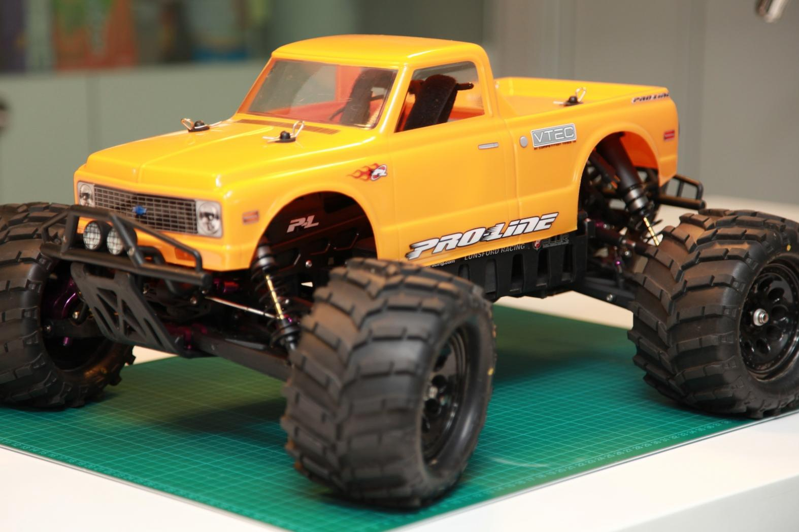Monster Truck For Sale >> WTS: ARTR Fully-mod HPI Savage Flux 1/8 Scale Monster Truck– Low mileage+Never track - R/C Tech ...