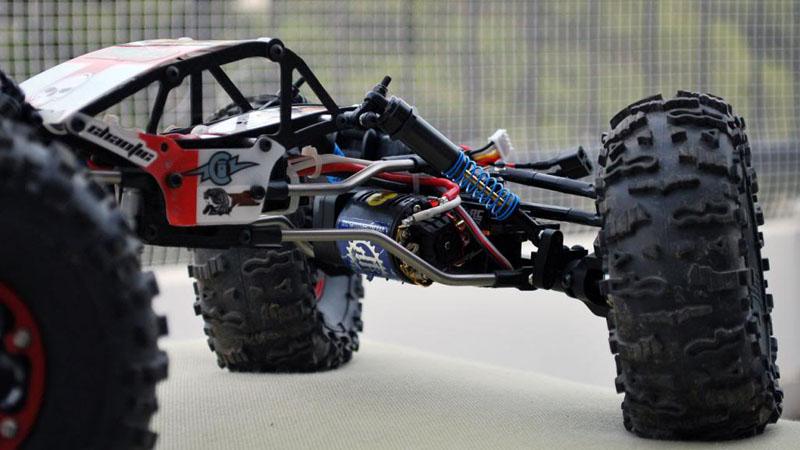 RC4WD Bully v2 axles, Chaotic Crawlers body and Ti links, Vanquish wheels, HPI Rover tires, Holmes motors, Tekin ESCs, Protek Chad Bradley 170T