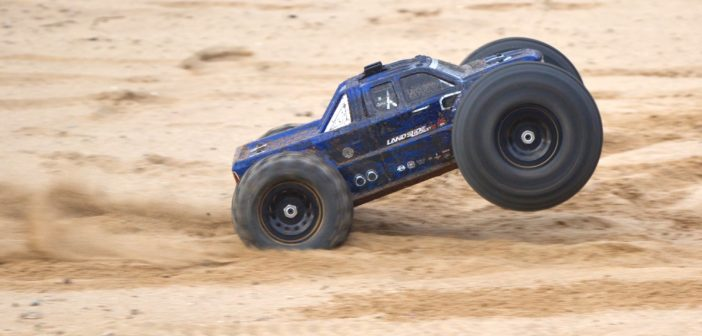 1:8 Redcat Racing Landslide XTE Brushless Monster Truck – Bashing at its best?